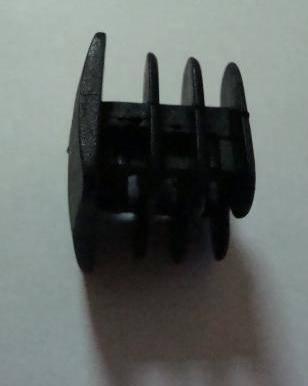 Заглушка пластиковая внутренняя 25×25